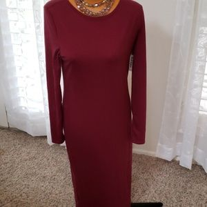 Old Navy size M NWT maroon colored dress